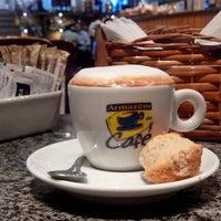 Foto tirada no(a) Armazém do Café por Marciel F. em 5/14/2013