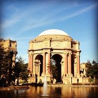 Foto scattata a Palace of Fine Arts da Rebecca K. il 1/20/2013