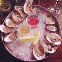 รูปภาพถ่ายที่ Harry's Oyster Bar & Seafood โดย Claire เมื่อ 1/13/2013
