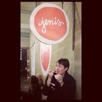 รูปภาพถ่ายที่ Jeni's Splendid Ice Creams โดย SQ D. เมื่อ 10/29/2013