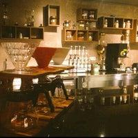 Foto tirada no(a) Bricks Coffee & Bistro por Betül A. em 12/14/2015