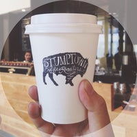 Photo prise au Stumptown Coffee Roasters par WillTeeYang.com L. le11/22/2013