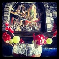 10/18/2012にAdem C.がCamelot Cafe & Restaurantで撮った写真