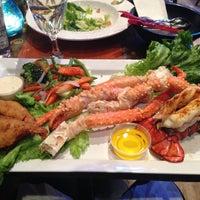 Foto diambil di King Crab Tavern & Seafood Grill oleh Joey R. pada 4/23/2013