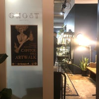 รูปภาพถ่ายที่ Ghost Gallery โดย Melissa D. เมื่อ 9/13/2019