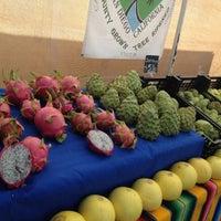 Foto scattata a Hillcrest Farmers Market da Oksana S. il 12/9/2012