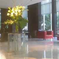 Снимок сделан в Ros Tower - Hotel, Spa & Convention Center пользователем thomas L. 4/14/2013