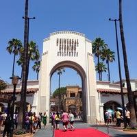 7/28/2013 tarihinde Jorge C.ziyaretçi tarafından Universal Studios Hollywood Globe and Fountain'de çekilen fotoğraf