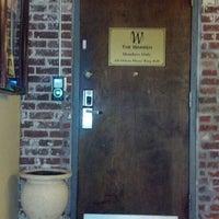 รูปภาพถ่ายที่ The Warren City Club โดย Deidra M. เมื่อ 2/15/2013
