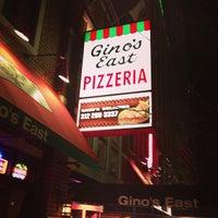 Foto tomada en Gino's East por Carlos O. el 2/15/2013