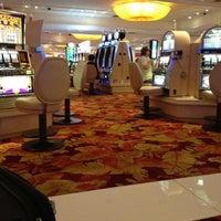 รูปภาพถ่ายที่ Tropicana Las Vegas โดย Vitória M. เมื่อ 10/27/2012