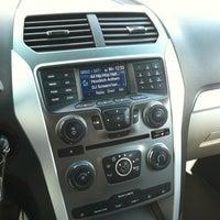 Foto tomada en Capital Ford por Chino G. el 10/2/2012