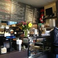 Foto diambil di Taïm Falafel and Smoothie Bar oleh katy c. pada 1/5/2013