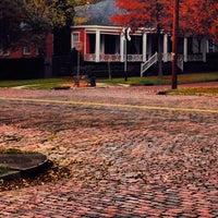 Снимок сделан в Columbus Historic District пользователем Bradley 11/18/2013