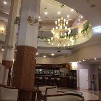 รูปภาพถ่ายที่ InterTower Hotel โดย Gustavo B. เมื่อ 10/14/2014
