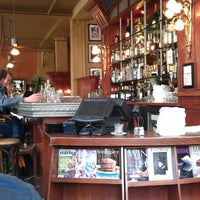 Das Foto wurde bei Café de la Presse von Mafesto am 5/17/2013 aufgenommen