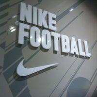Das Foto wurde bei FootballStore.ru von Dmitry S. am 5/19/2013 aufgenommen