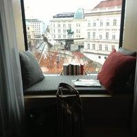 รูปภาพถ่ายที่ The Guesthouse Vienna โดย Andreas W. เมื่อ 11/24/2013
