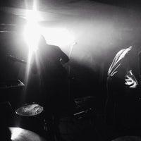 10/7/2013 tarihinde Jaroslava S.ziyaretçi tarafından Rock Café'de çekilen fotoğraf