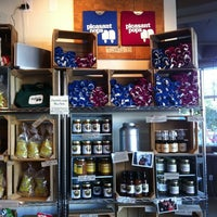 10/6/2012 tarihinde Felix R.ziyaretçi tarafından Pleasant Pops Farmhouse Market & Cafe'de çekilen fotoğraf