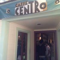 Das Foto wurde bei Caffe Centro von Moonjoo P. am 10/29/2012 aufgenommen