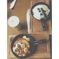 7/4/2013 tarihinde Kamila D.ziyaretçi tarafından Breakfast Cafe'de çekilen fotoğraf