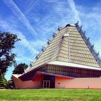Foto tirada no(a) Beth Sholom Congregation por Jason C. em 6/15/2014