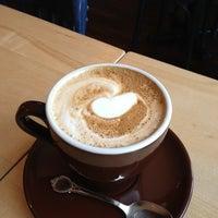 Foto diambil di Fixe Café Bistro oleh Frédérick pada 10/21/2012