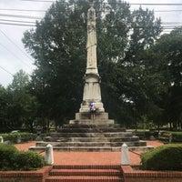 Снимок сделан в Columbus Historic District пользователем Israel J. 7/16/2017