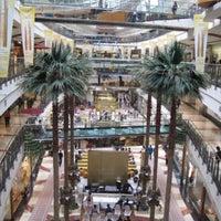 Photo prise au Pondok Indah Mall 2 par Irvan e. le8/8/2015