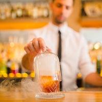 6/15/2016 tarihinde Bloody Mary Cocktail Loungeziyaretçi tarafından Bloody Mary Cocktail Lounge'de çekilen fotoğraf
