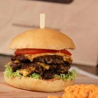 11/24/2015にAbdullah A.がBoodi's Burgerで撮った写真