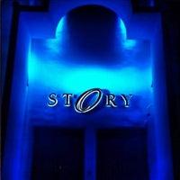 Foto tirada no(a) STORY Nightclub por Carlos T. em 12/27/2012