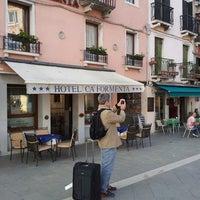 Foto tirada no(a) Ca' Formenta Hotel Venice por Lilian C. em 4/19/2014
