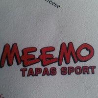 Photo prise au Meemo Tapas Sport par Mike N. le4/22/2013