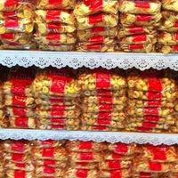 Foto tirada no(a) Loja da Fábrica Claids Biscoitos por Marilia B. em 11/15/2012