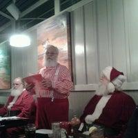 Снимок сделан в Newport Bay Restaurant пользователем Diane F. 10/14/2012