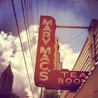 Das Foto wurde bei Mary Mac's Tea Room von Stephanie M. am 6/29/2013 aufgenommen