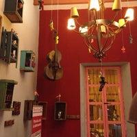 รูปภาพถ่ายที่ La Casona Del Arbol Teatro-Bar & Cocina Show Center โดย Xavier S. เมื่อ 12/1/2012