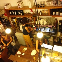 รูปภาพถ่ายที่ OR Coffee Bar โดย Manthos C. เมื่อ 10/13/2012
