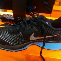 Снимок сделан в Nike Store пользователем Alexa L. 12/30/2012