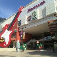 Foto tomada en Forum Cancún por Salvador C. el 11/2/2012