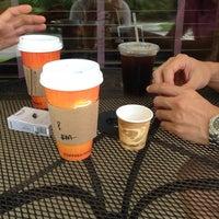 Foto scattata a Barnie's Coffee & Tea Co. da Chris K. il 7/13/2013