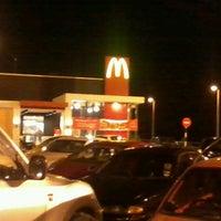 Das Foto wurde bei McDonald's & McCafé von Khairul K. am 3/3/2013 aufgenommen
