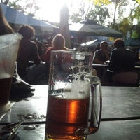Photo prise au Bohemian Hall & Beer Garden par Tony X. le10/20/2012