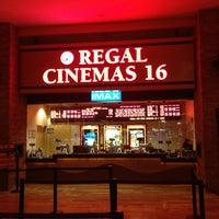 Foto tirada no(a) Regal Cinemas Red Rock 16 & IMAX por Charlie B. em 3/16/2013