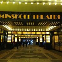 1/2/2013 tarihinde Tina L.ziyaretçi tarafından Minskoff Theatre'de çekilen fotoğraf