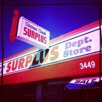 Foto scattata a Stevens Creek Surplus da Keith W. il 10/18/2012