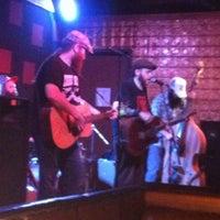 Foto scattata a Smoky Mountain Brewery da Fay C. il 5/5/2013