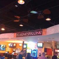 Das Foto wurde bei Blarney Stone Bar & Grill von Terri S. am 5/24/2013 aufgenommen